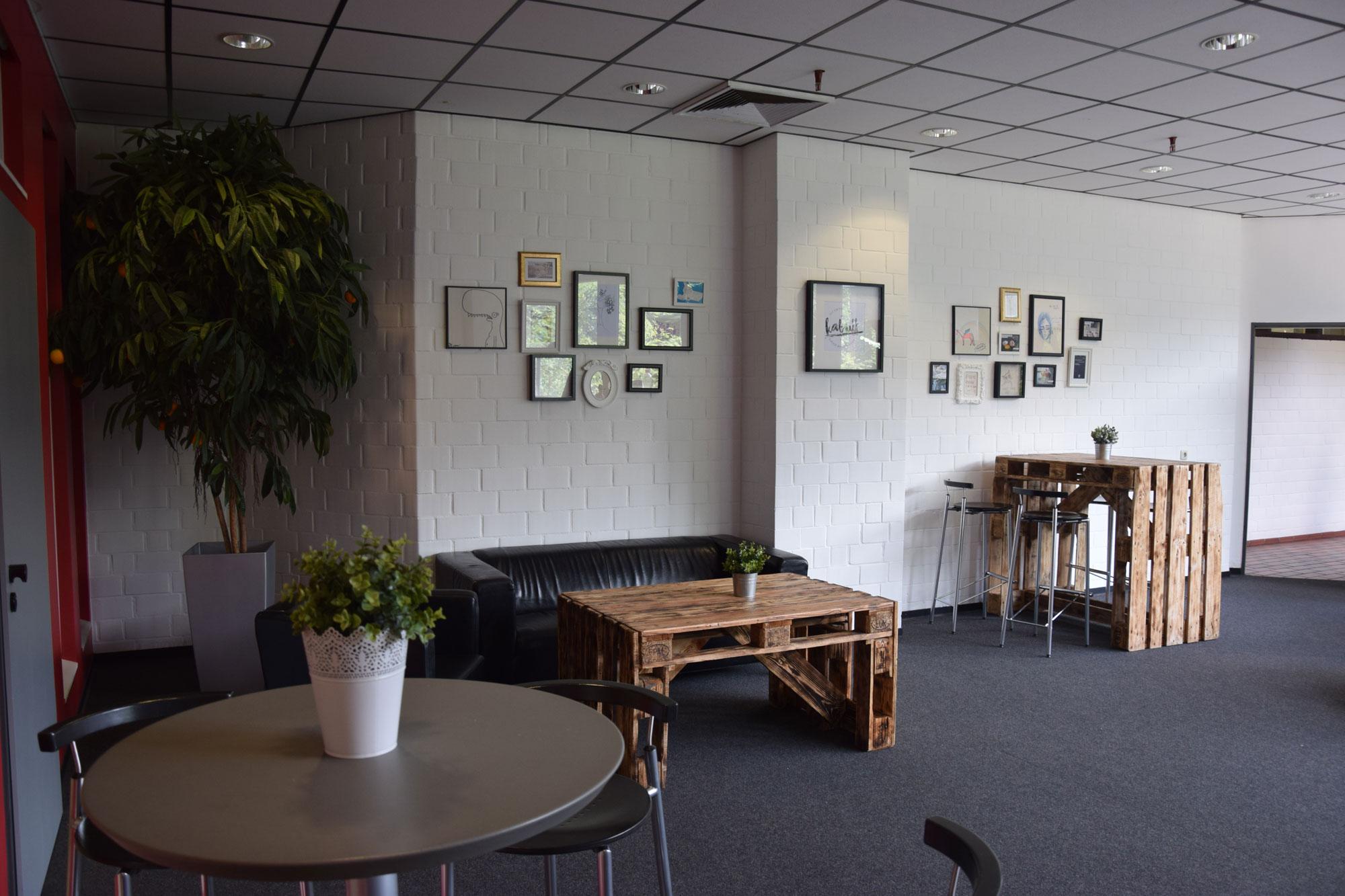 Studentenwerk Oldenburg - Neue Möbel für das \